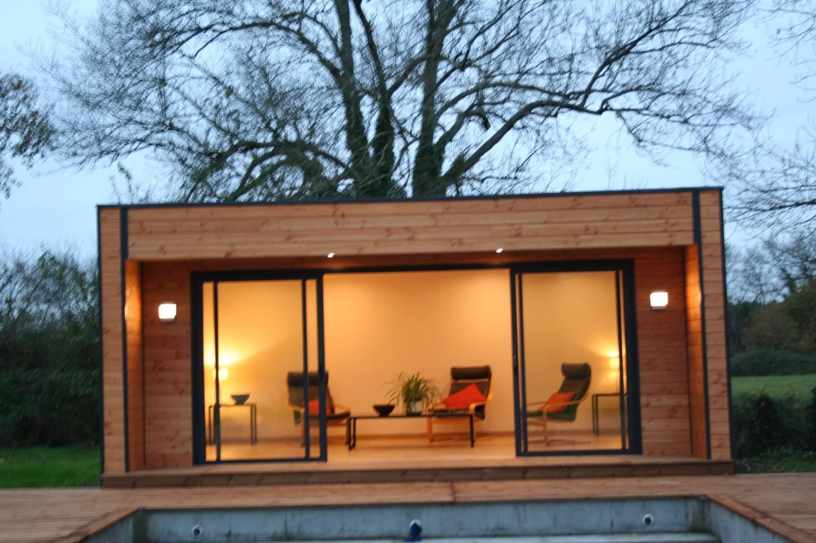 extension contemporain en bois construction en bois bordeaux abrisips. Black Bedroom Furniture Sets. Home Design Ideas