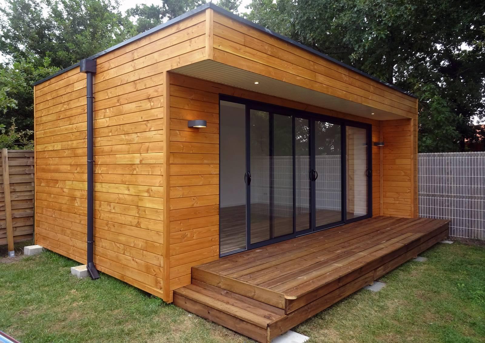 cr ation d 39 un bureau dans un jardin ar s en gironde construction en bois bordeaux abrisips. Black Bedroom Furniture Sets. Home Design Ideas