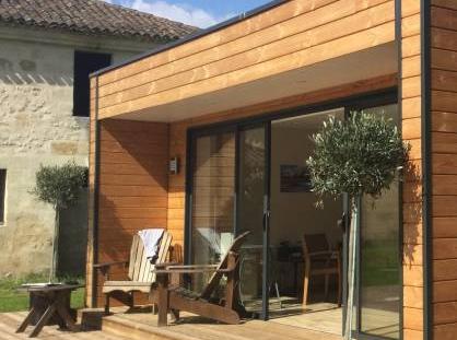 fabulous extension en bois with cuisine exterieure moderne. Black Bedroom Furniture Sets. Home Design Ideas